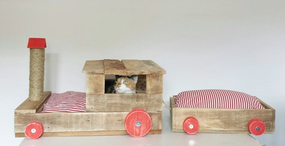 De tiendas mi barquito de palet especial mascotas - Casa de gatos con palets ...